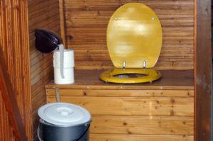 Как сделать туалет для дачи без запаха самостоятельно