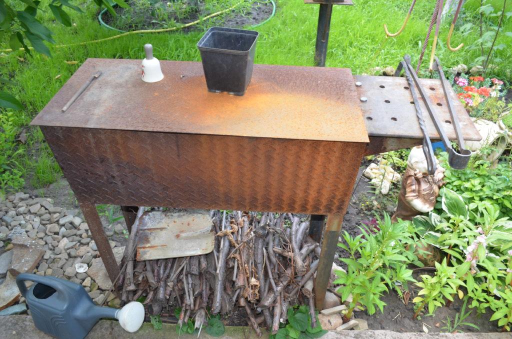 Как сделать на даче гриль своими руками из металла