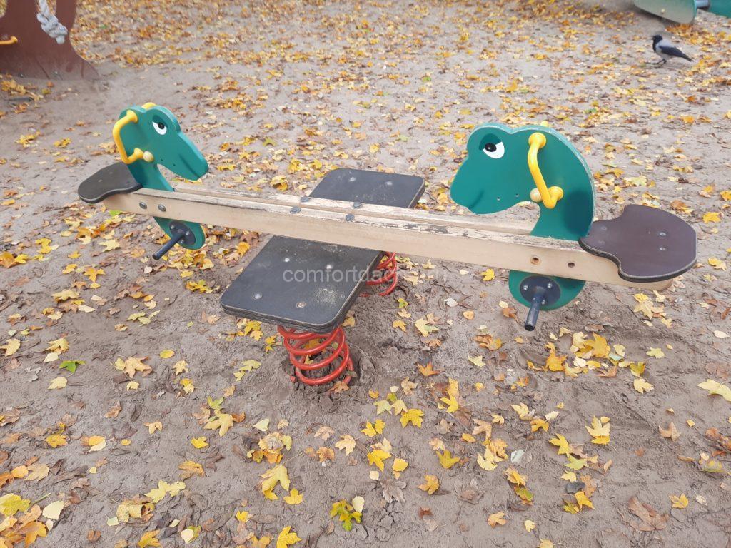 Как сделать качели-весы своими руками на дачном участке