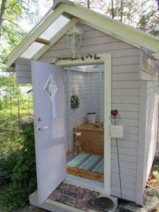 обшивка-внутри-туалета