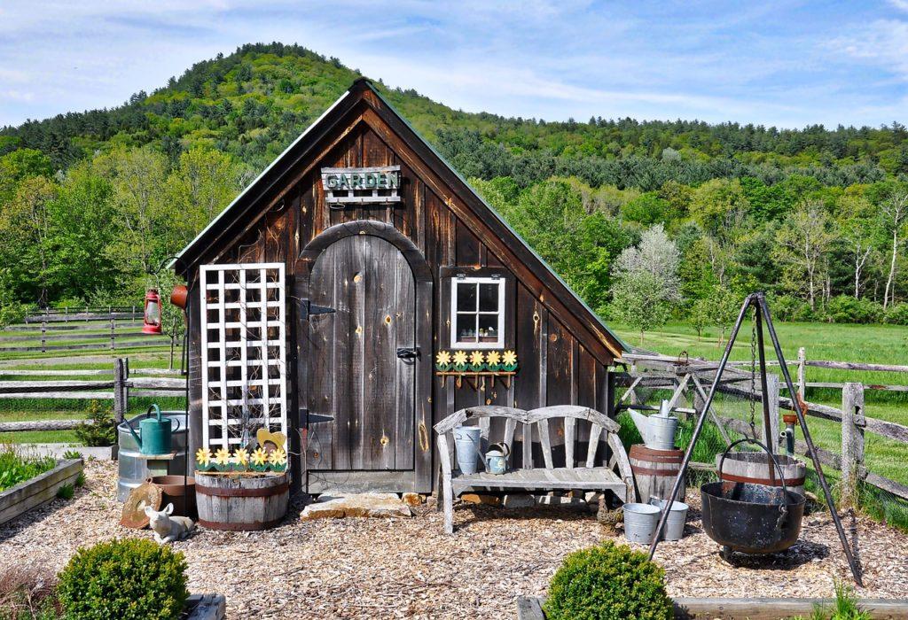 Как построить сарай для дачи своими руками: пошаговая инструкция