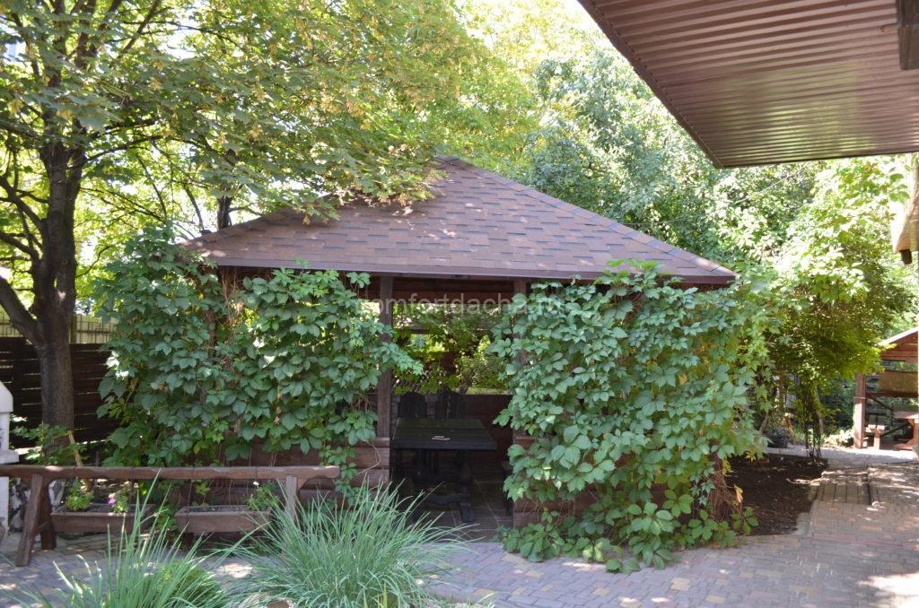 Беседка с четырехскатной крышей: самостоятельное строительство