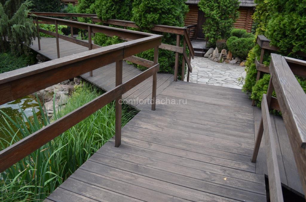 Ограждение террасы: варианты из дерева, металла, поликарбоната