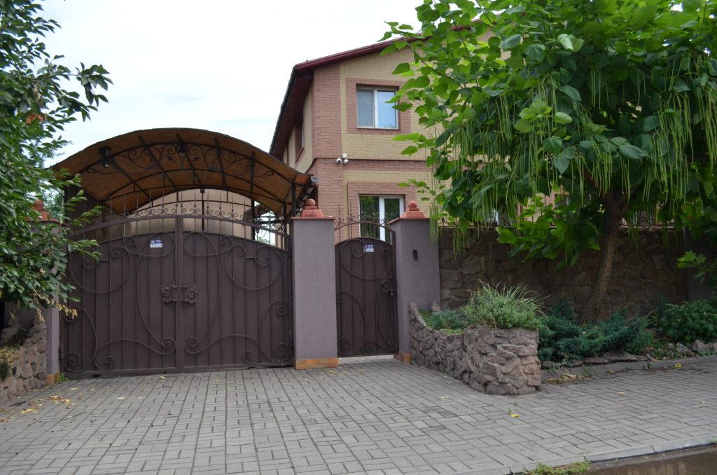 Ворота для частного дома: виды ворот, какие можно сделать самостоятельно
