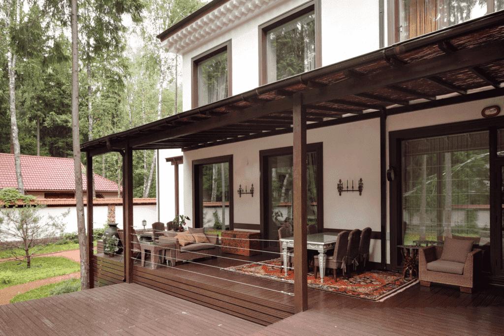 Веранда и терраса: в чем разница, что лучше построить на даче