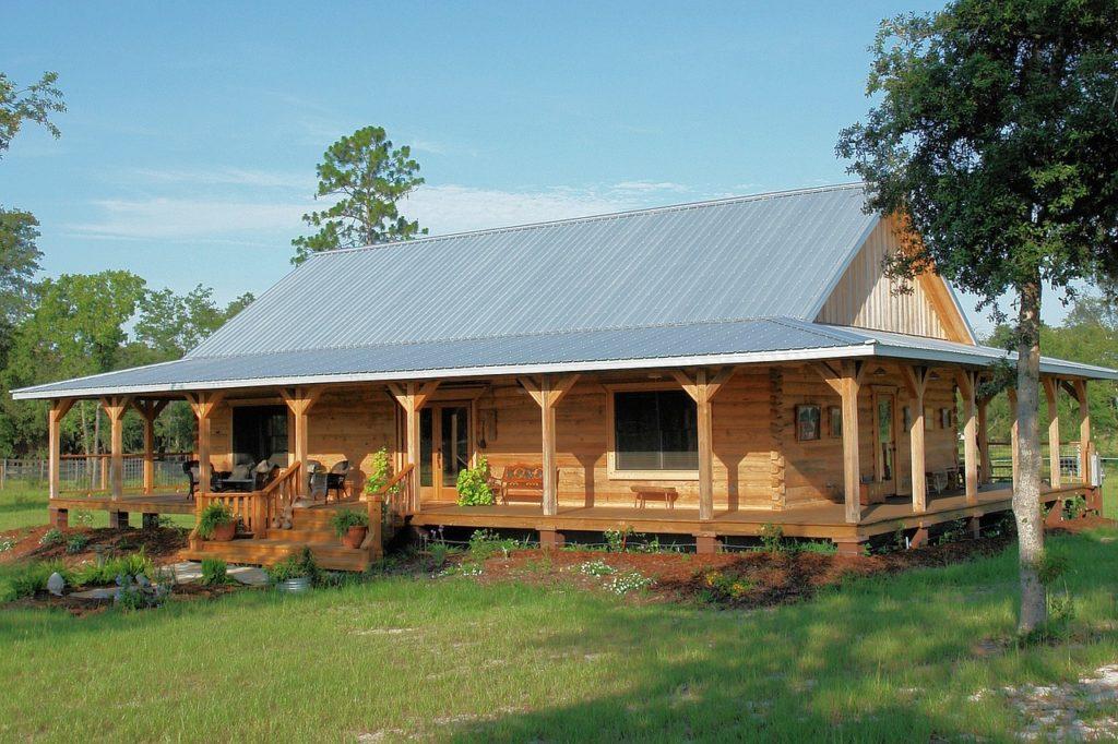 Веранда к дому: как пристроить террасу к дачному домику