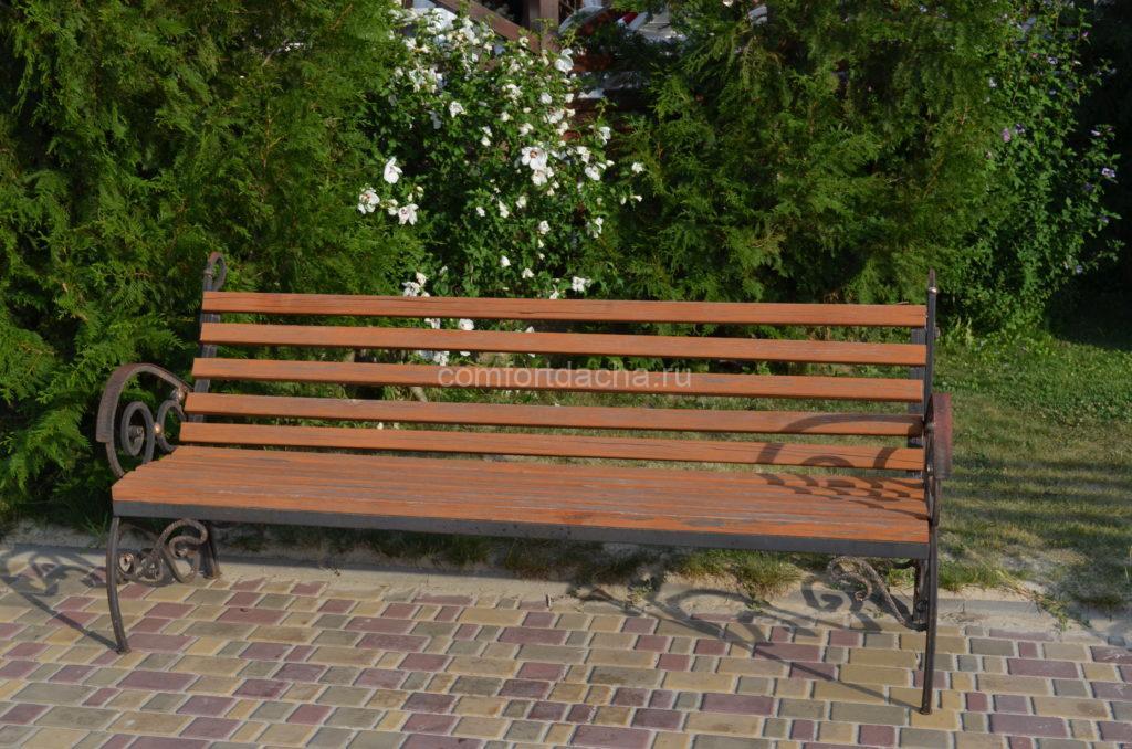 Скамейки для дачи из металла и дерева своими руками