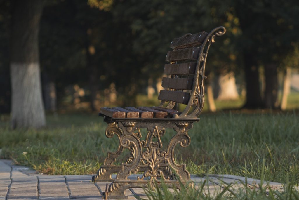 Стандартные размеры скамейки для дачного участка