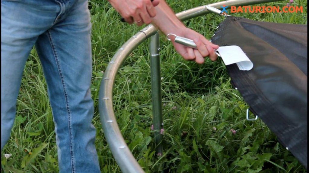Как закрепить батут к земле на даче — пошаговая инструкция