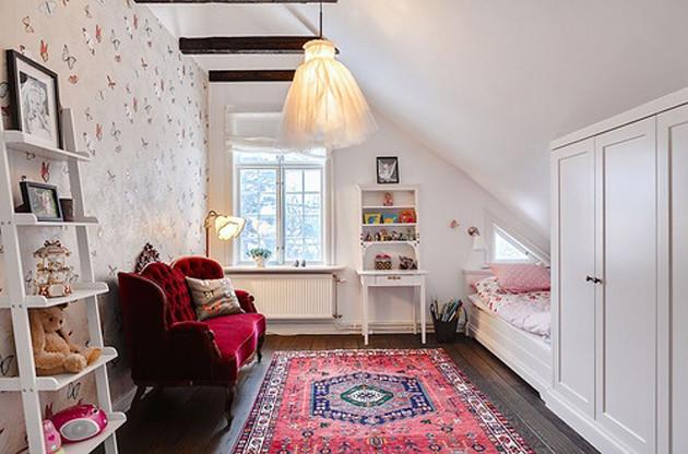 Освещение мансарды — с наклонными стенами и скошенным потолком
