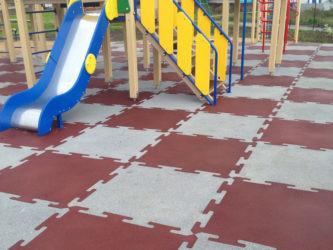 Покрытие для детских площадок на даче — бюджетные варианты