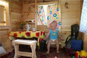 Как сделать детский домик для дачи своими руками