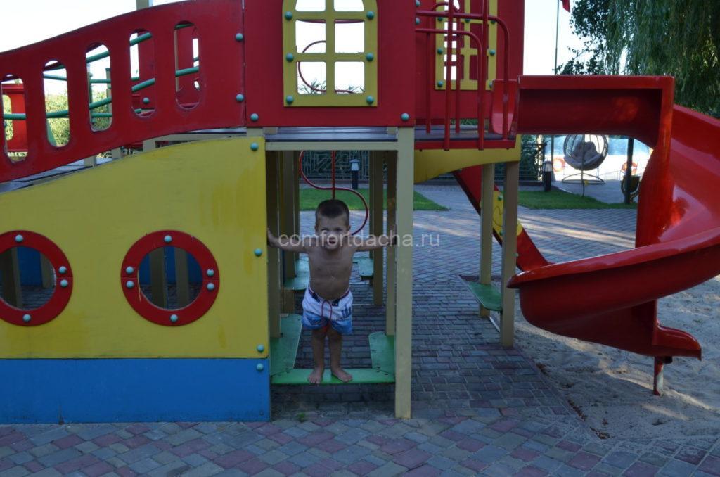 Детская горка своими руками на дачном участке