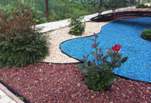 Цветной щебень в ландшафтном дизайне участка