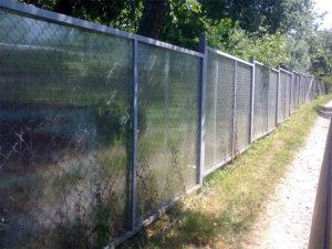 Забор из сетки рабицы своими руками — устройство и материалы